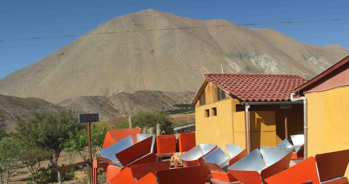 Vue d'ensemble des fours solaires du restaurant solaire de Villaseca